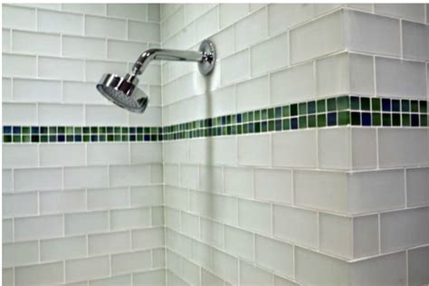 Bathroom Shower Tile Design by 7 Tile Design Tips For A Small Bathroom Apartment Geeks