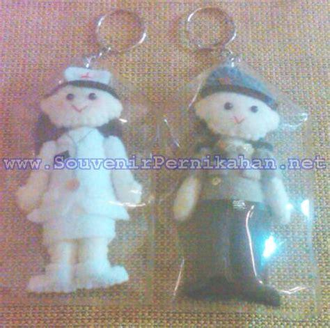 Gantungan Kunci Profesi boneka profesi dari kain flanel souvenir pernikahan