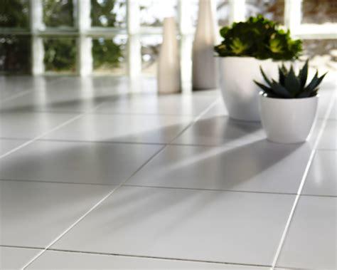 Keramik 10x20 Putih Polos gambar desain keramik lantai rumah minimalis polos warna putih obatrindu