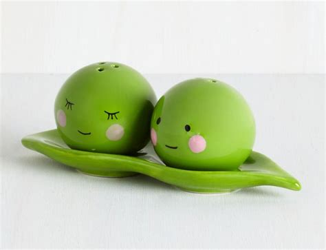 two peas in their pod two peas in a pod magnetic salt and pepper set internet
