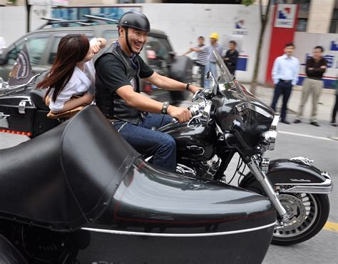 Motorrad Gang Hamburg by Chinesische Harley Davidson Motorrad Gang Mischt Rallye
