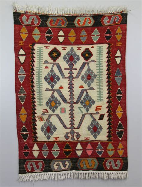 colorful livingrooms with rugs loom old yarn wheat bohemia denenecek tarifler pinterest