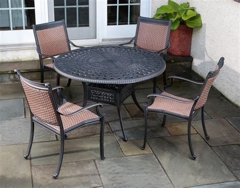 Aluminum Patio Furniture Set A Guide To Cast Aluminum Outdoor Furniture Patioproductions Patio Productions
