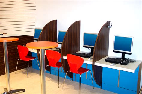 interior design internet cyber cafe image gallery internet cafe design