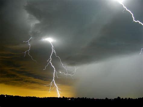 Lightening Day Free Beonskin lightning bolt thunder hd wallpaper sky planets wallpapers