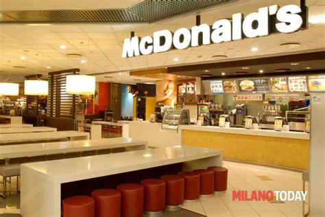 mc donald pavia nuovo mcdonald s a locate triulzi centro commerciale