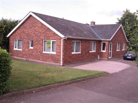 houses for rent in south suburbs modern bungalow style house in suburbs of cork room for