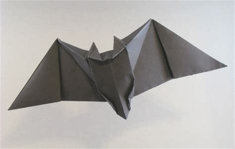 Origami Bats - flying origami bat 2018