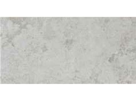 badezimmerfliesen porzellan boden und wandfliesen terrasse jura limestone grey
