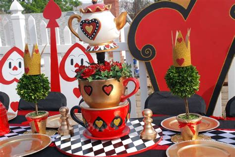 queen themed birthday party queen of hearts alice in wonderland birthday party ideas