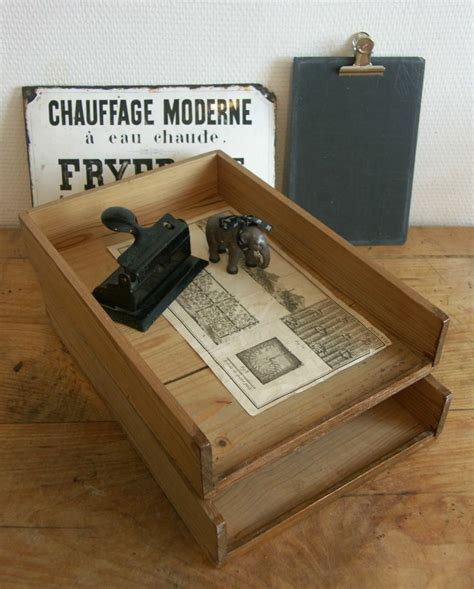 petit bureau bois 1000 images about ma brocante en ligne on