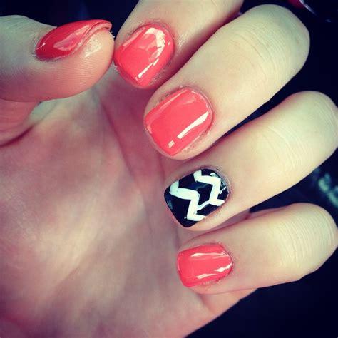 chevron pattern nails nail design chevron nails pinterest nail design