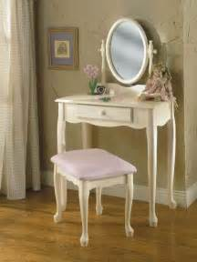 Bedroom vanity better idea