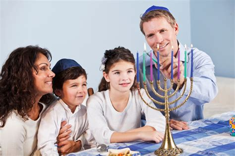 12 Families And Couples Celebrating The 4th by How To Choose The Menorah