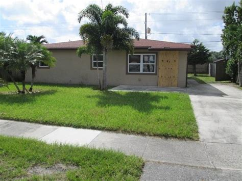 4800 Springfield Dr West Palm Beach Florida 33415 Houses For Sale In West Palm Fl 33415