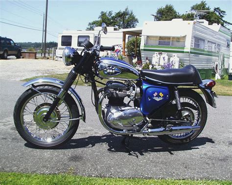 Yamaha XS650 vs BSA A50 ? Classic Motorcycle Comparison