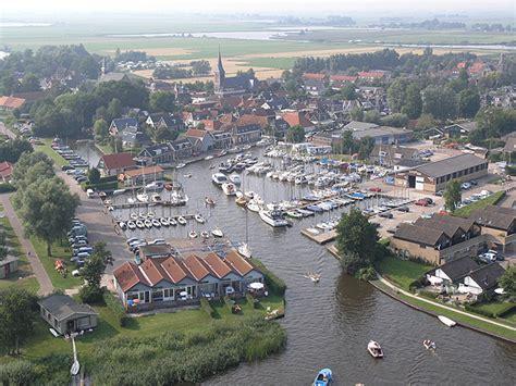 heeg in friesland watersportbedrijf foekemayachtcharter holland bootverhuur