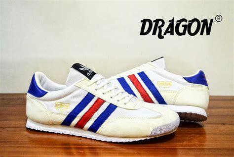 Sepatu Pria Adidas Putih Merah Biru 40 44 adidas biru dongker