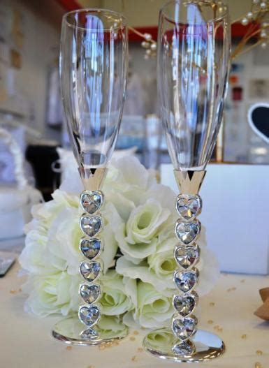 Wedding Diamante Heart Stem Champagne Toasting Flutes
