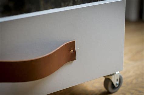 letto con cassetti sotto come realizzare cassetti sotto il letto con ruote casafacile