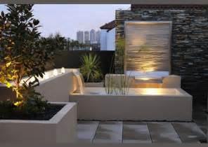 gartengestaltung wand terrasse et jardin optez pour le bassin la fontaine ou l