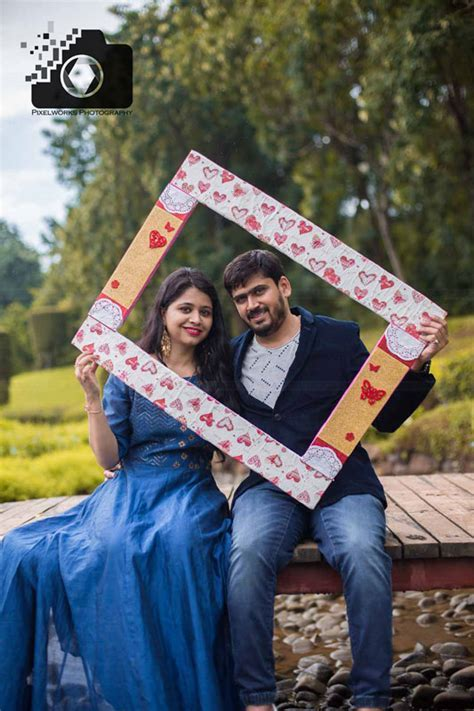Pre Wedding Photoshoot in Pune rains: Pixel Pink and a bit