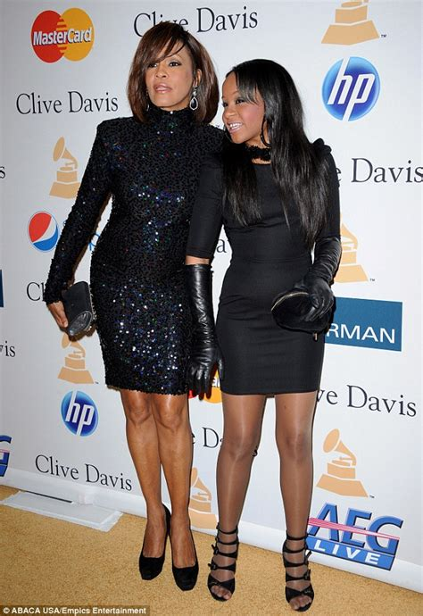 whitney houston daughter bathtub bobbi kristina was obsessed with her mother whitney houston dying in bathtub daily