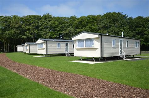 Full Height Kitchen Cabinets by Richardson S Holiday Parks Silver Plus 2 Caravan