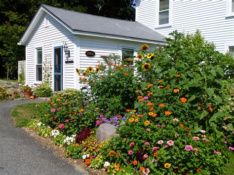 bar harbor cottage rates reservations for bar harbor cottage and suites