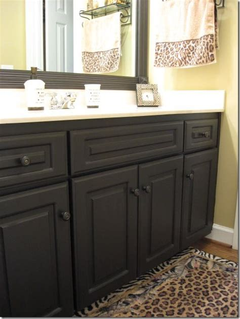 paint for kitchen and bathroom best 25 painting laminate cabinets ideas on pinterest