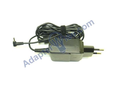 Asus Adaptor Laptop19v 1 58a 19v ad82000 010lf 1 58a 2 5x0 7mm