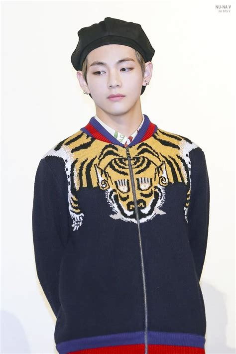 Baju Gucci V Bts this is how much it costs to dress like bts taehyung in gucci kstarlive breaking k pop