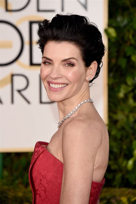 julianna margulies large head hair and makeup at golden globes 2015 red carpet