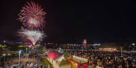 new year dinner gold coast food truck feast and fireworks what s on the weekend