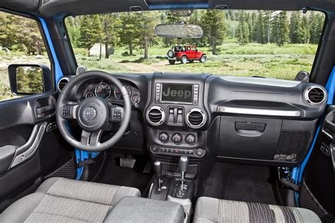 new jeep wrangler interior 2012 jeep wrangler gets 3 6 liter pentastar v6 with 285