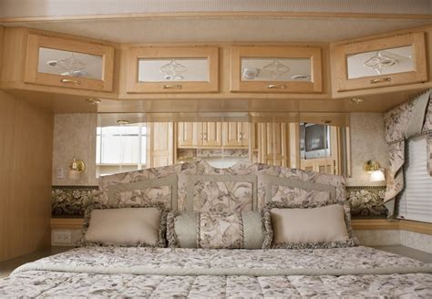 rv with king size bed fifth wheel rv quot king or queen quot size bed rving cing