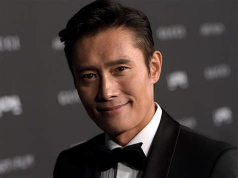 hot korean actors news 2014 paramount switches korean distributor for lee byung hun s