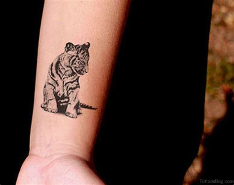 16 fine tiger tattoos on wrist