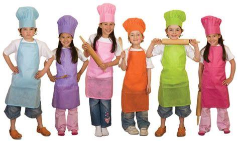 cucinare con bambini in cucina fin da piccoli impariamo con le fiabe