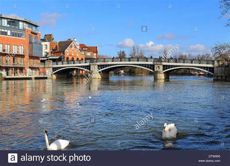 thames river windsor windsor and eton bridge over the river thames in royal