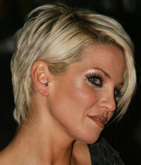 Kurzer Haarschnitt by Damen Kurzhaarfrisur Jugendlicher Look Mit Kurzem Haarschnitt
