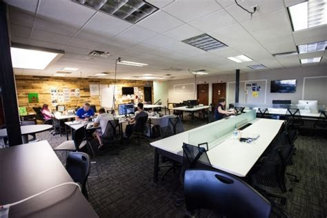 workspace sharing business  downtown las vegas shutting  las vegas review journal