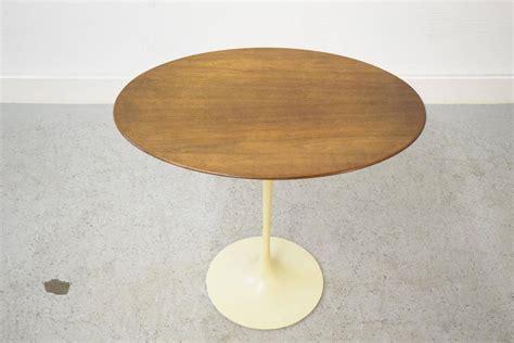 early eero saarinen for knoll oval tulip side table for