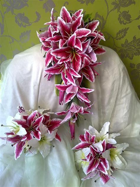 17 Best ideas about Stargazer Lily Bouquet on Pinterest
