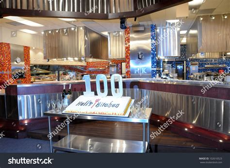 hell s kitchen set at the hell s kitchen 100th episode