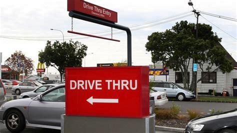 drive thru kfc impatient woman rams car at fast food drive thru nbc 6