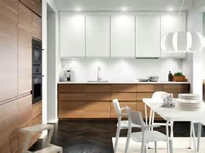 encuentra tu lado minimalista con una pulcra cocina