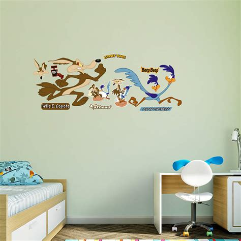Looney Tunes Bedroom Decor by Road Runner Coyote Wall Decal Shop Fathead 174 For Looney