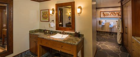 disney aulani 1 bedroom villa ahu ula suite this spacious suite features 3 full