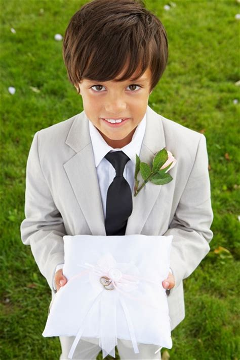 ring bearer how to keep your ring bearer calm and in